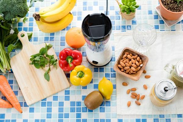 食べる順番を変えるだけの、今すぐできるダイエット法「ベジファースト」